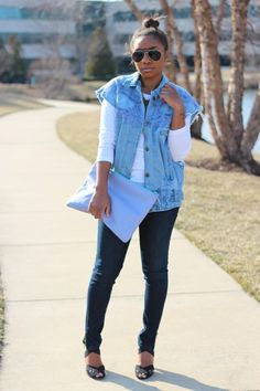 great layered style and oversized bag #style