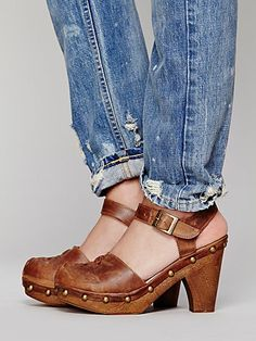 not a big clog fan but these are sweet!
