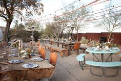 I love Joshua Tree and have a huge crush on this outdoor set up #loveatfirstlight