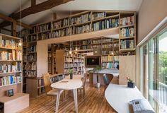 「家のなかに本棚を」を超えた発想です。 本棚で家をつくってしまったような「ほんとのいえ」。1万5千冊の本と一緒 […]