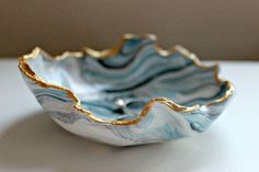 Marbled clay ring dish in blue, white, black and grey with a gold edge This darling clay ring dish is perfect to hold all of your trinkets in. Jewelry Dish, Clay Jewelry, Jewelry Hanger, Diy Clay, Clay Crafts, Clay Bowl, Diy Schmuck, Ring Dish, Air Dry Clay