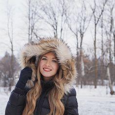 Girlyaddict Emma Verde, Youtubers, Winter Hats, Girly, Stars, Cat, Random, Fashion, Showgirls