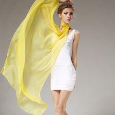 Elegantný veľký dámsky hodvábny šál v žltej farbe