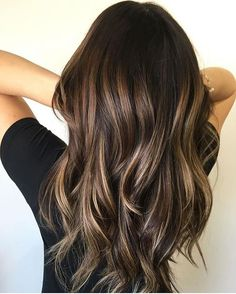 Balayage is suitable for light and dark hair, almost all lengths except very short haircuts. Today I want to show you the most popular Brunette Balayage Hair Color Ideas. Balayage has become the biggest trend in recent seasons, and it's not over yet. Fall Hair Color For Brunettes, Brown Hair Colors, Ombre For Brunettes, Partial Balayage Brunettes, Hair Colours, Hair Color Highlights, Hair Color Balayage, Balayage Hairstyle, Golden Highlights