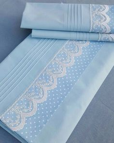 Mavinin romantik hali nevresimtakimi piketak m Baby Sheets, Cot Sheets, Bed Cover Design, Embroidered Bedding, Heirloom Sewing, Baby Sewing, Bed Covers, Home Design, Design Crafts