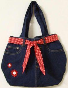 Bildergebnis für Jeanstasche - My CMS Jean Crafts, Denim Crafts, Sacs Tote Bags, Jean Purses, Denim Handbags, Denim Purse, Denim Ideas, Old Jeans, Cloth Bags