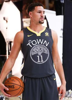 ❤ Get the best Klay Thompson 2018 Wallpapers on WallpaperSet. Only the best HD background pictures. Warriors Basketball Team, Basketball Players, Basketball Stuff, Golden State Warriors, Golden State Basketball, Splash Brothers, Nba League, Christian Yelich, Colin Kaepernick