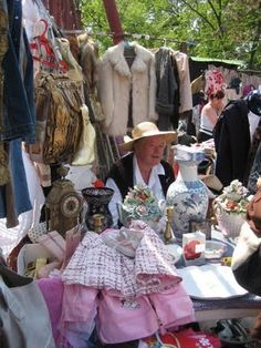 Post about the fleamarket and vintage shps