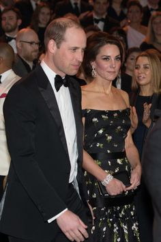 Kate Middleton Photos Photos - Catherine, Duchess of Cambridge and Prince William, Duke of Cambridge attend the 70th EE British Academy Film Awards (BAFTA) at the Royal Albert Hall on February 12, 2017 in London, England. - EE British Academy Film Awards - Red Carpet Arrivals