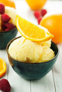 Enjoy those delicious fresh oranges the best way possible, in this super creamy and tasty orange sherbet recipe! Mix up a batch today and devour!