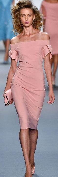 Love the neck and sleeves on this simple yet elegant cocktail dress! La Petite Robe by Chiara Boni Spring 2017 Ready To Wear. Fashion 2017, Runway Fashion, Fashion News, Spring Fashion, Fashion Show, Fashion Dresses, Womens Fashion, Fashion Design, Cheap Fashion