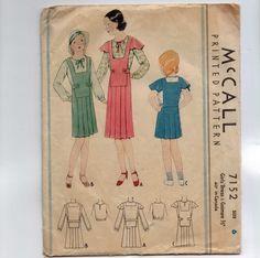 negli anni ' 30 vintage Sewing Pattern McCall 7152 ragazze Dress e ponticello di Guimpe plissettato seno frontale dimensioni 6 24 30s di historicallypatterns su Etsy https://www.etsy.com/it/listing/226800847/negli-anni-30-vintage-sewing-pattern