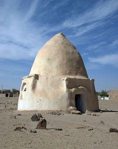 razzberryblue:    Tomb of a Vali, south of Karima, Sudan