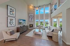 Does open and BRIGHT describe this living space just RIGHT?!