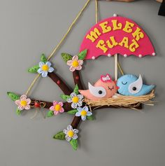 Melek & Fuat çiftimiz için hazırlanan kuşlu kapı süsü :) Jute Crafts, Clay Crafts, Felt Crafts, Fabric Crafts, Diy And Crafts, Crafts For Kids, Baby Door Wreaths, Door Name Plates, Name Plate Design