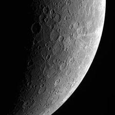 Amazing detail of Planet Mercury! #space #mercury