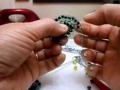 Aros tejidos con crochet, hilo metálicos y cuentas, tecnica Bareta triple y cadenetas.