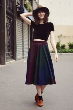Lady Moriarty hat; midi skirt; socks; shoes; top/shirt
