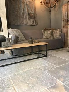 www.nl - Home Page Stone Tile Flooring, Flagstone Flooring, Kitchen Flooring, Stone Tiles, Tile Design, Sweet Home, House Design, Interior Design, House Styles