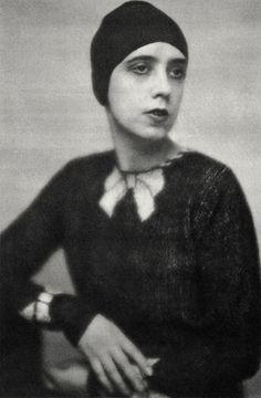Elsa Schiaparelli trompe d'oeil sweater 1927