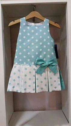 Contrasting inset pleats with piping and a single bow Little Dresses, Little Girl Dresses, Girls Dresses, Baby Girl Fashion, Fashion Kids, Dress Anak, Baby Dress Patterns, Baby Dress Tutorials, Kids Frocks