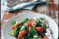 Lauwwarme salade van stoofpeertjes - Recept - Allerhande