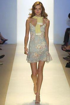 Monique Lhuillier Spring 2005 Ready-to-Wear Fashion Show - Valentina Zelyaeva