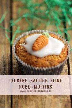 Delicious, juicy Rübli muffins for your Easter table. Easy to imitate and always succeed. Delicious, juicy Rübli muffins for your Easter table. Easy to imitate and always succeed. Strawberry Desserts, Apple Desserts, Easy Desserts, Delicious Desserts, Dessert Recipes, Easter Recipes, Recipes Dinner, Italian Pastries, Italian Desserts