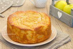 torta mele grattuggiate, a fette e cubetti, I used half the amount of baking powder g)--> next time use Sweets Recipes, Apple Recipes, Cake Recipes, Cooking Recipes, Food Cakes, Cupcake Cakes, Apple Deserts, Torte Cake, Plum Cake