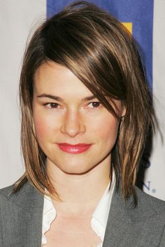 30 Celebrities We Really Miss Leisha Hailey This actress/musician is one of the many L Word stars we miss seeing on a weekly basis. Hailey has been touring with her band, Uh Huh Her, but we're holding out hope for a new TV gig. Celebrity Bra Sizes, Celebrity Photos, Leisha Hailey, Katherine Moennig, The L Word, Medium Short Hair, Elizabeth Gillies, Hair Dos