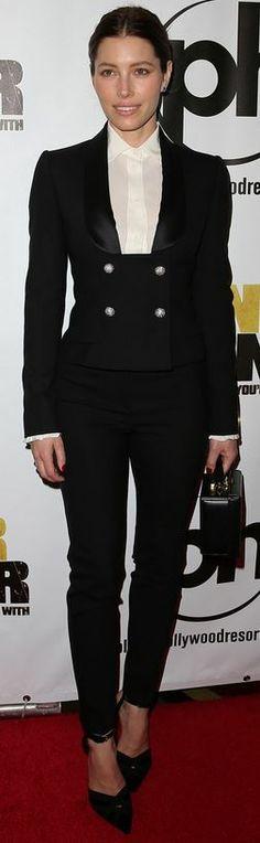 Jessica Biel: Jacket, shirt, and pants – Dolce & Gabbana  Jewelry – Martin Katz  Purse – Mark Cross