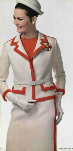 1966 Nina Ricci mid mod two-tone suit dress white orange boxy cropped jacket skirt model magazine 60 Fashion, Sixties Fashion, Fashion History, Autumn Fashion, Vintage Fashion, Womens Fashion, Fashion Design, Retro Fashion, 1960s Outfits