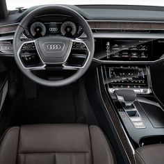 Audi A8: nova geração surge com muitas tecnologias Marca alemã revelou nesta terça-feira o novo A8. O sedã de grande porte topo de linha da Audi entre os modelos executivos está num nível de quase direção 100%  autônoma. O A8 é capaz de digirir sozinho em várias situações urbanas graças a 20 sensores ultrasônicos quatro câmeras de 360º uma câmera frontal no parabrisa quatro câmeras de canto um radar de longo alcance uma câmera de visão infravermelha e radar laser na dianteira!  Em relação…