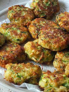 Ízőrző: Cukkinifasírt Vegetable Recipes, Vegetarian Recipes, Savoury Dishes, Greek Recipes, Sweet And Salty, Fajitas, Kitchen Recipes, Tandoori Chicken, Food To Make