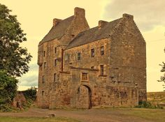 Wentworth Prison – Game of Thrones Tours Scotland 2020 Outlander Tour, Outlander Tv Series, Wentworth Prison, Scotland Tours, Fort William, Scottish Castles, Filming Locations, 15th Century, Barcelona Cathedral