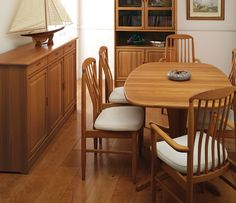 Teak dining room chairs - You can restore the beauty of the old, fading finish on your oak dining room chairs of reconditioning them with the right coating Oak Dining Room Chairs, Upholstered Dining Bench, Dining Chairs For Sale, Outdoor Dining Chairs, Kitchen Chairs, Living Room Chairs, Teak Garden Furniture, Dining Room Furniture, Furniture Sale