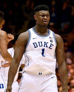 Zion x Williamson Kentucky Basketball, Football And Basketball, College Basketball, Basketball Players, Kentucky Wildcats, Duke Blue Devils, High School Football, Wnba, Basketball