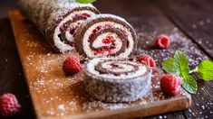 Low Carb Chocolate Roll Cake with Raspberry Coulis Kokos Desserts, Köstliche Desserts, Coconut Recipes, Low Carb Recipes, Coulis Recipe, Chocolate Roll Cake, Christmas Desserts, Tray Bakes, Sweets