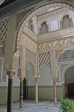 Reales Alcázares in Seville - Andalusia, Spain Islamic Architecture, Beautiful Architecture, Beautiful Buildings, Art And Architecture, Beautiful Places, Places To Travel, Places To Go, Seville Spain, Andalusia Spain