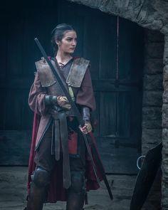 É maravilhosa que chama, né? Selena (@marinamoschen) já chegou na guerra salvando Ulisses (@lorenzigio) e mostrando todo o seu poder!…