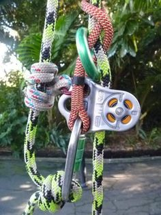 Climbing Rope, Mountain Climbing, Tree Climbing Equipment, Arbor Tree, Climbing Technique, Survival Knots, Grappling Hook, Tree Felling, Escalade