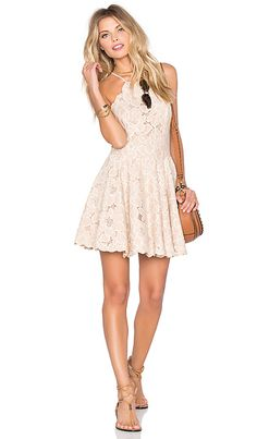 Tularosa Cyrus Dress em Pale Blush | REVOLVE