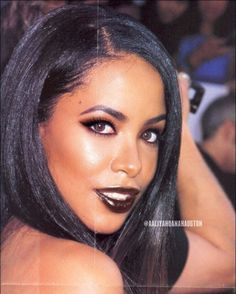 just breath taking 🥺🙀😳🖤 Rip Aaliyah, Aaliyah Style, Black Is Beautiful, Beautiful People, Beautiful Women, Looks Hip Hop, Aaliyah Haughton, My Idol, Makeup Looks