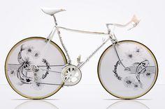 Fahrrad Design mit Chrome und japanischen Motiven
