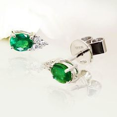 Perfect emerald, diamons and white gold earings by Coriolan