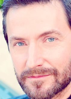 Richard Armitage....holy wow, look at those eyes!!! Mmmmhmmmm I totally agree!