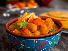 Esse prato de feijão pode ser servido como acompanhamento ou entrada de um almoço ou jantar de sucesso. Chef: Guy Fieri