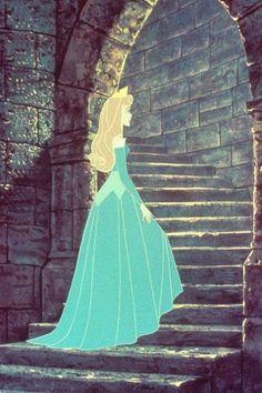 Disney [b]Movie:[/b] Sleeping Magnificence [b]Character:[/b] Princess Aurora Princess Aurora's costu Disney Pixar, Walt Disney, Disney And Dreamworks, Disney Animation, Disney Magic, Disney Art, Disney Movies, Blue Disney Characters, Iconic Characters