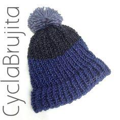 Pom Pom hat <3 @cyclabrujita   @cyclabrujita  #hechoenecuador #crochetecuador #instacraft #Haken #crochethook #hekling #håndarbeid #häkeln  #birlikteörelim #игрушка #손뜨개인형 #hækle #钩针 #örgü #كروشيه #sevgiyleörüyoruz #crocheted #crochetlove #crocheting #crochethat #ecuador
