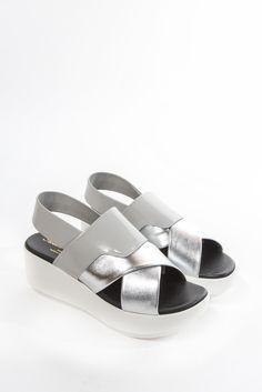 Phator Platform Slide by Robert Clergerie | #kickpleat #robertclergerie #platform #sandal #metallic